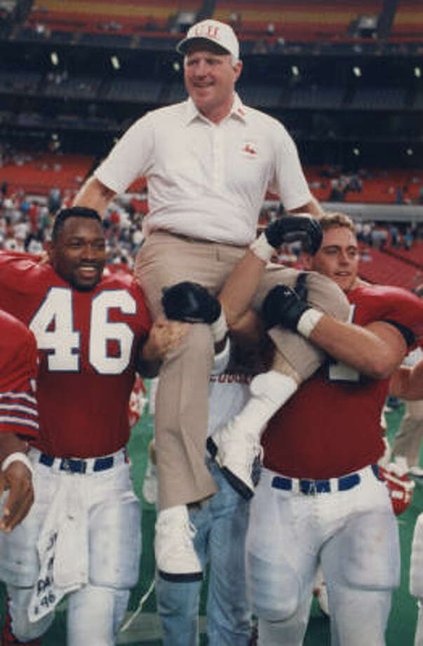 UH football coaching candidate Jack Pardee was known for his Run 'N Shoot offense during his 1987-89 stint with the Cougars. Photo: Houston Chronicle Library