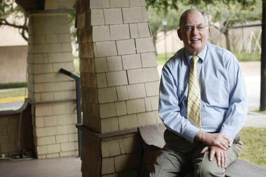 Joseph McFadden, history professor at the University of St. Thomas, remembers how John F. Kennedy inspired crowds, but believes Barack Obama should be seen as Obama. Photo: Nick De La Torre, Chronicle