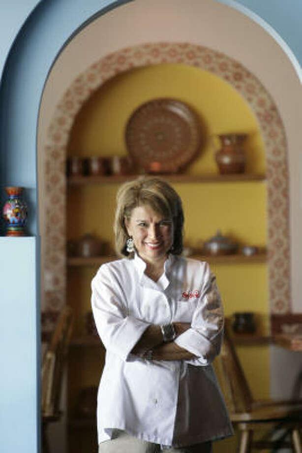 Sylvia Casares cuenta que recurre a la creatividad, a la perseverancia y a la publicidad. Photo: Meg Loucks, La Voz