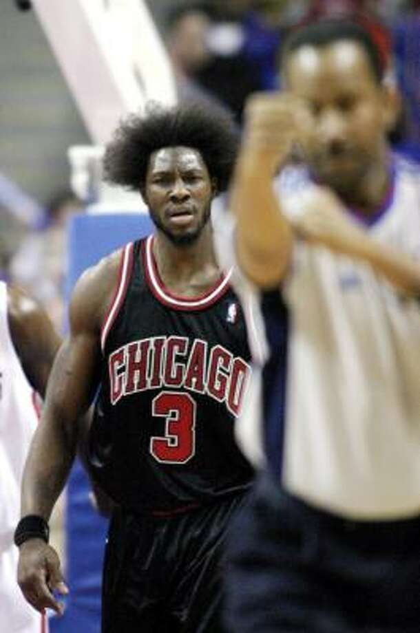 Ben Wallace dislikes an offensive foul call. Photo: GARY MALERBA, ASSOCIATED PRESS
