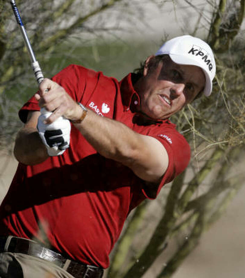 The SHO secured the support of No. 2 Phil Mickelson for the second consecutive year. Photo: Paul Connors, AP