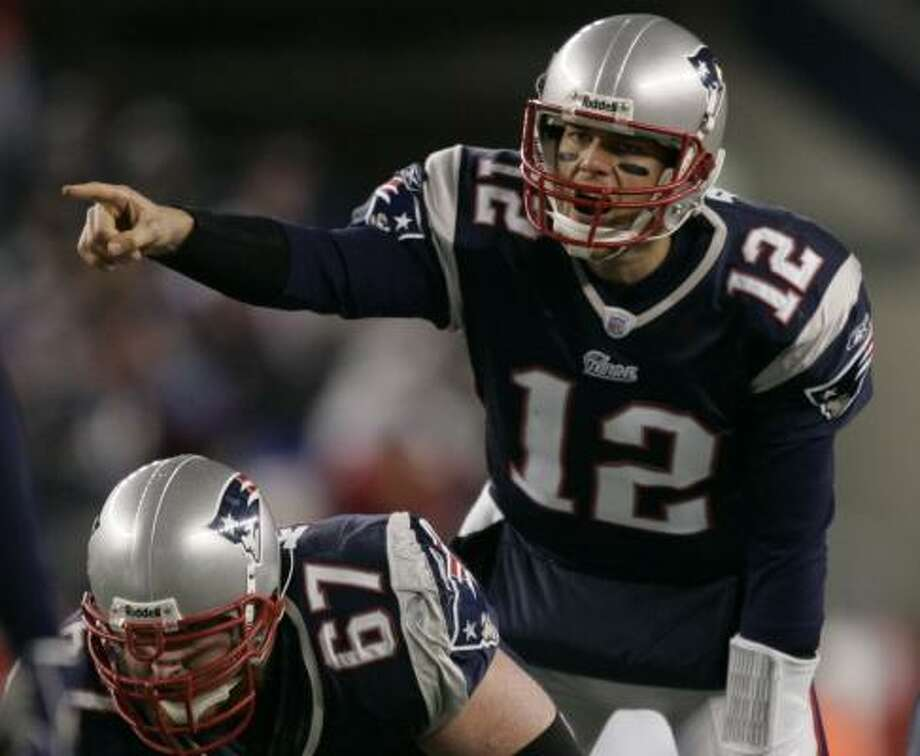 Patriots quarterback Tom Brady says he'll be ready for the Giants on Feb. 3, but Matt Cassel and Matt Gutierrez (not pictured) will have his back. Photo: MICHAEL DWYER, AP