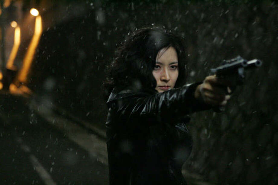 Lee Young-ae stars as Geum-Ja, a woman seeking revenge after being imprisoned for 13 years after taking the rap for a child's kidnapping and killing. Photo: Tartan Films 2005