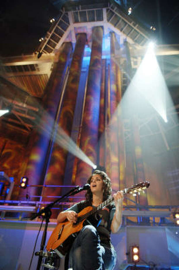 Katie Melua said she practiced emergency escapes in preparation for the concert. Photo: OLE MORTEN ARANESTAD, AP