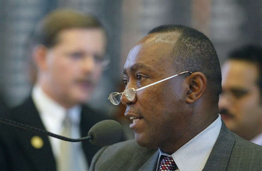 State Rep. Sylvester Turner, D-Houston, will be the featured speaker at the gala. Photo: HARRY CABLUCK, AP