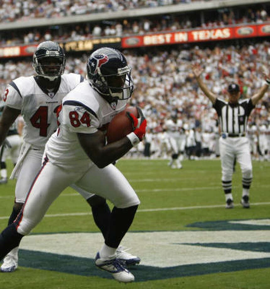 For the Texans to score more, they need to play smarter, says Eric Moulds (84). Photo: KAREN WARREN, Chronicle