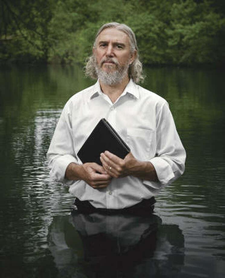 Garland Robertson: Mennonite. Peace activist. Texan. Photo: Randal Ford, The Amazing Faith Of Texas