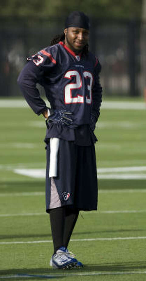 Texans cornerback Dunta Robinson is itching to return to the playing field. His wait could end this weekend. Photo: Brett Coomer, Houston Chronicle