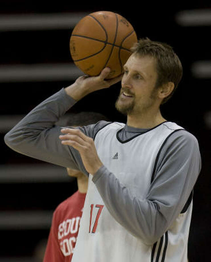 As important as Ron Artest's blending with Yao Ming and Tracy McGrady is to the Rockets, the ability of role players like Brent Barry, above, to work with the three stars may be just as vital to the team's ultimate success. Photo: James Nielsen, Chronicle