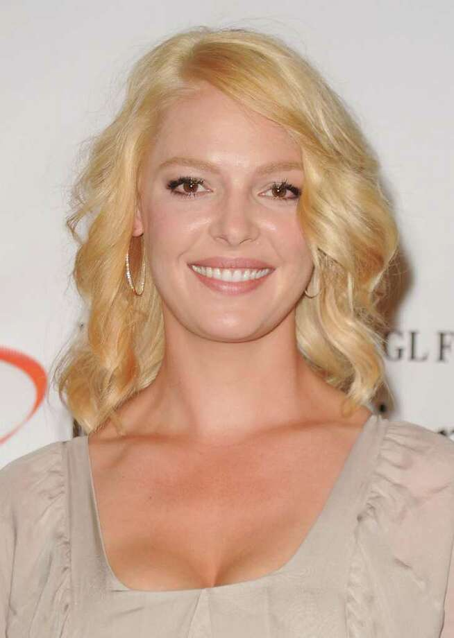 "New Canaan native Katherine Heigl was seen having lunch with her mother at the Ginger Man on Greenwich Avenue Monday. Heigl will star in ""The Wedding,"" which is currently shooting in Greenwich. (Jason Merritt Getty Images) Photo: Jason Merritt, ST / 2010 Getty Images"