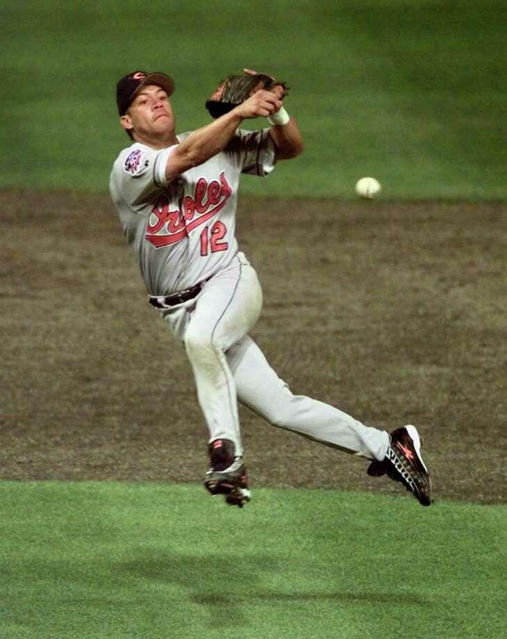 Roberto AlomarHall of Fame second baseman Photo: JIM MONE, STF / AP