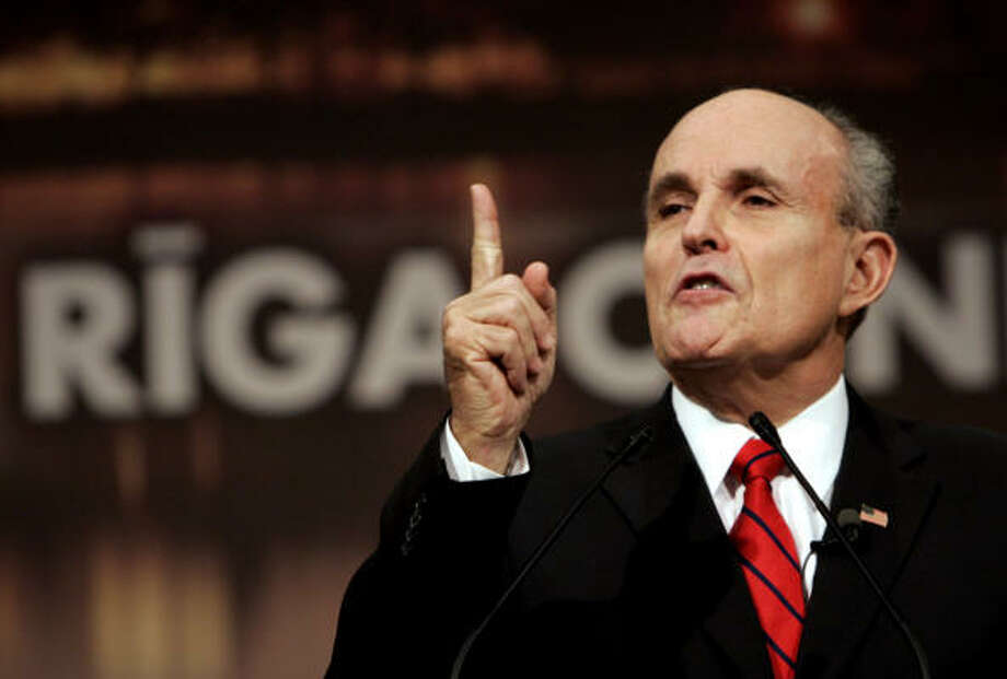 GOP presidential hopefuls, such as Rudolph Giuliani, are looking for political support in the Lone Star State. Earlier this month, Giuliani made his pitch to a group of about 40 potential fundraisers at the Coronado Club in downtown Houston. Photo: VIRGINIA MAYO, AP File