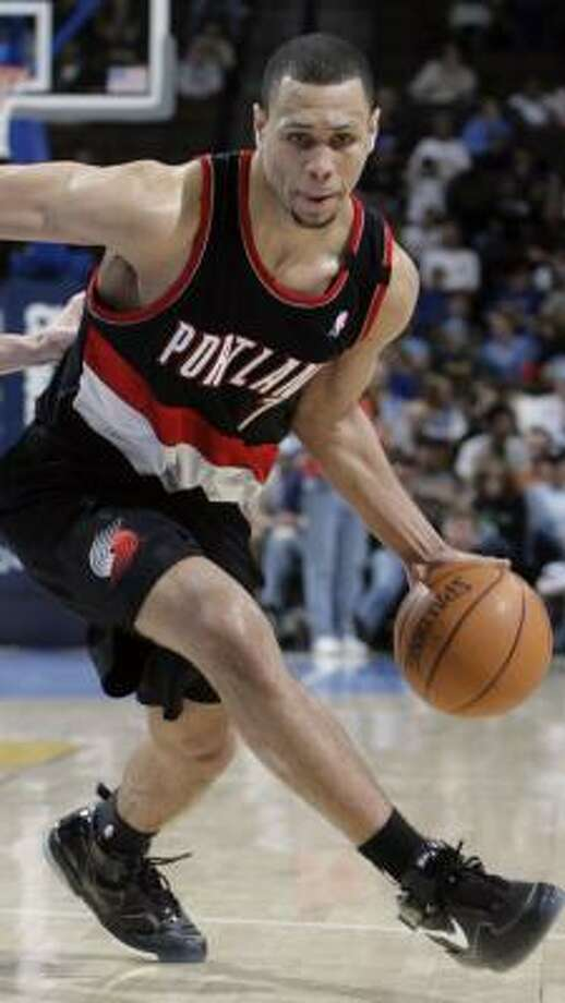 Brandon Roy received all but one first-place vote in Rookie of the Year balloting. Photo: DAVID ZALUBOWSKI, AP
