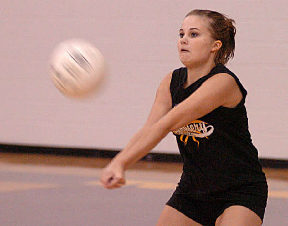 Lauren Pavloske bumps the ball during a recent Montgomery High School volleyball practice. Photo: David Hopper, For The Chronicle