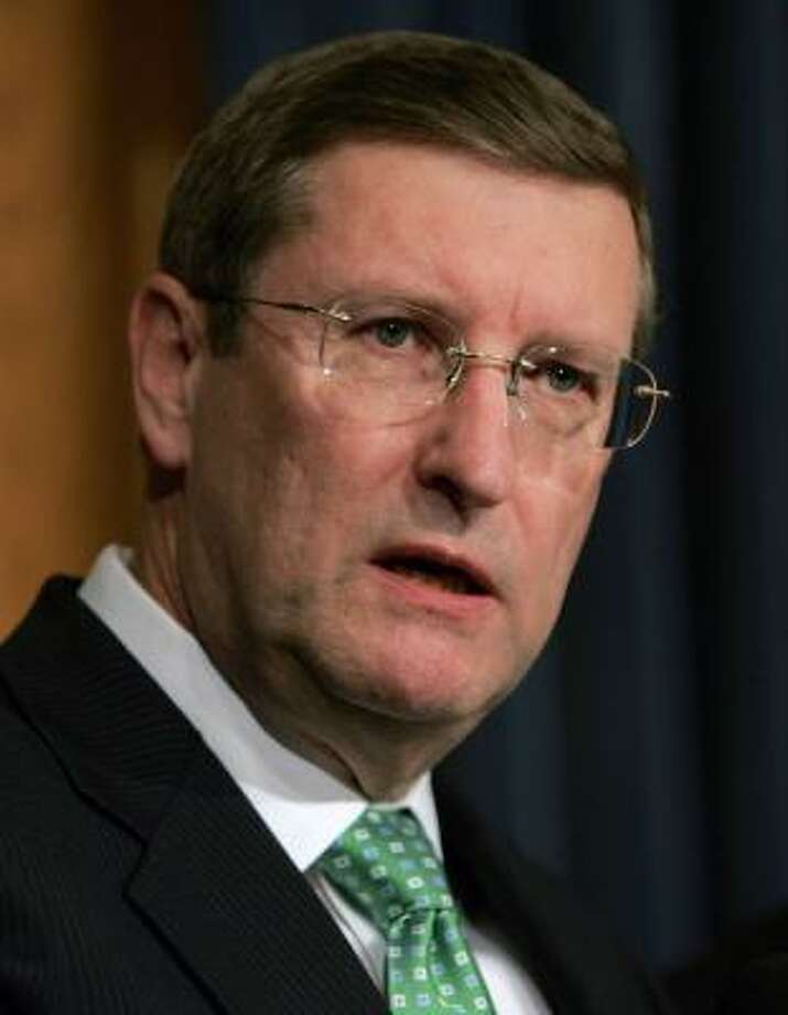 Kent Conrad, chairman of the U.S. Senate Budget Committee, speaks about the fiscal year 2009 budget at a news conference in Washington, D.C. Photo: DENNIS BRACK, BLOOMBERG NEWS