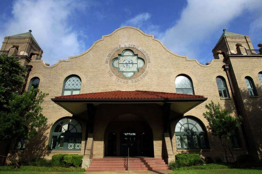 VIA wants to turn the old International & Great Northern Railroad depot on Medina Street, currently home to Generations Federal Credit Union, into its Westside Multimodal Center. VIA says the fact it operates on a budget tighter than any other Texas transportation agency has handicapped it. Photo: John Davenport/jdavenport@express-news.net / SAN ANTONIO EXPRESS-NEWS (Photo can be sold to the public)