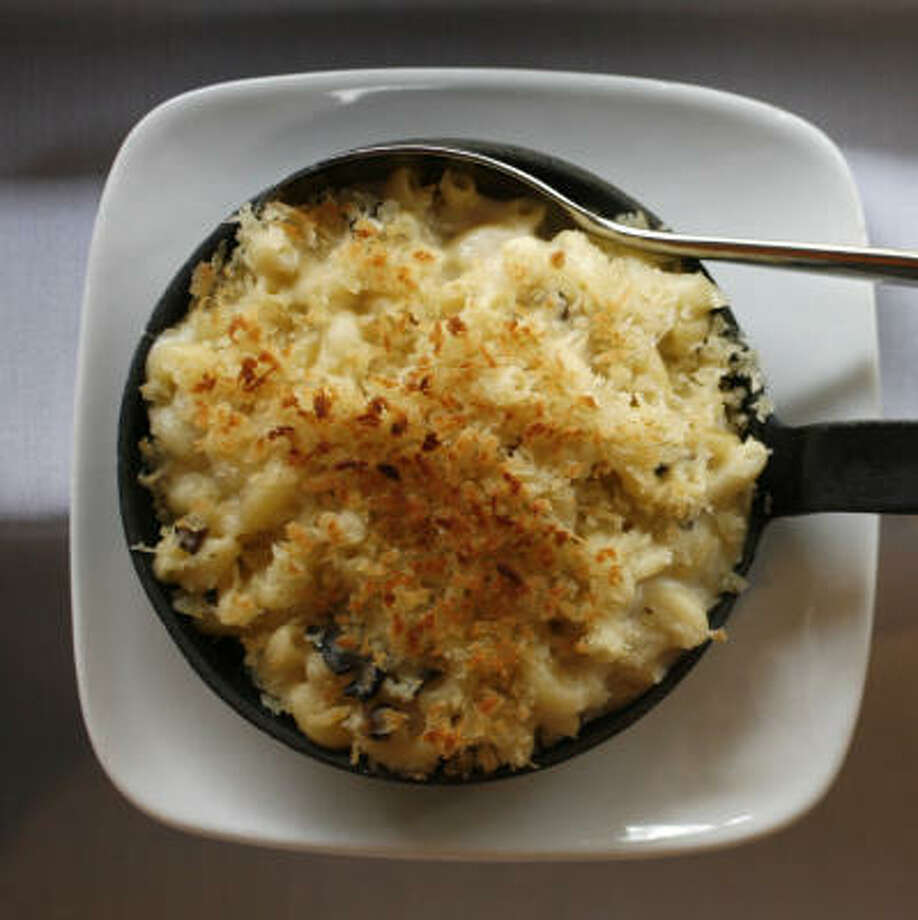 WINNING COMBINATION:Black Truffle Mac & Cheese contains American, Cheddar, Swiss and blue cheese. The recipe from 17 was created by former chef Jeff Armstrong. Photo: Karen Warren, Chronicle