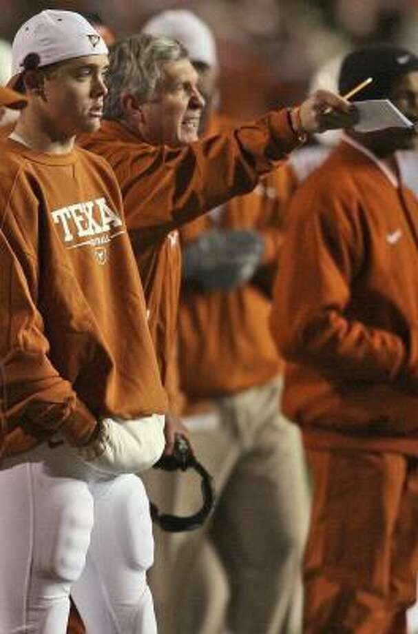 Texas coach Mack Brown endured a frustrating night in Manhattan, Kan., last November with Colt McCoy standing beside him instead of directing the Longhorns' offense. Photo: DEBORAH CANNON, ASSOCIATED PRESS