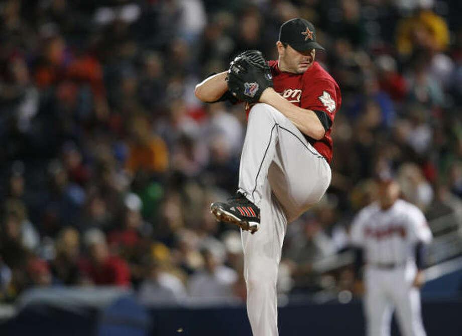 Houston's Roger Clemens pitches against the Braves in Atlanta. Photo: KAREN WARREN, Houston Chronicle