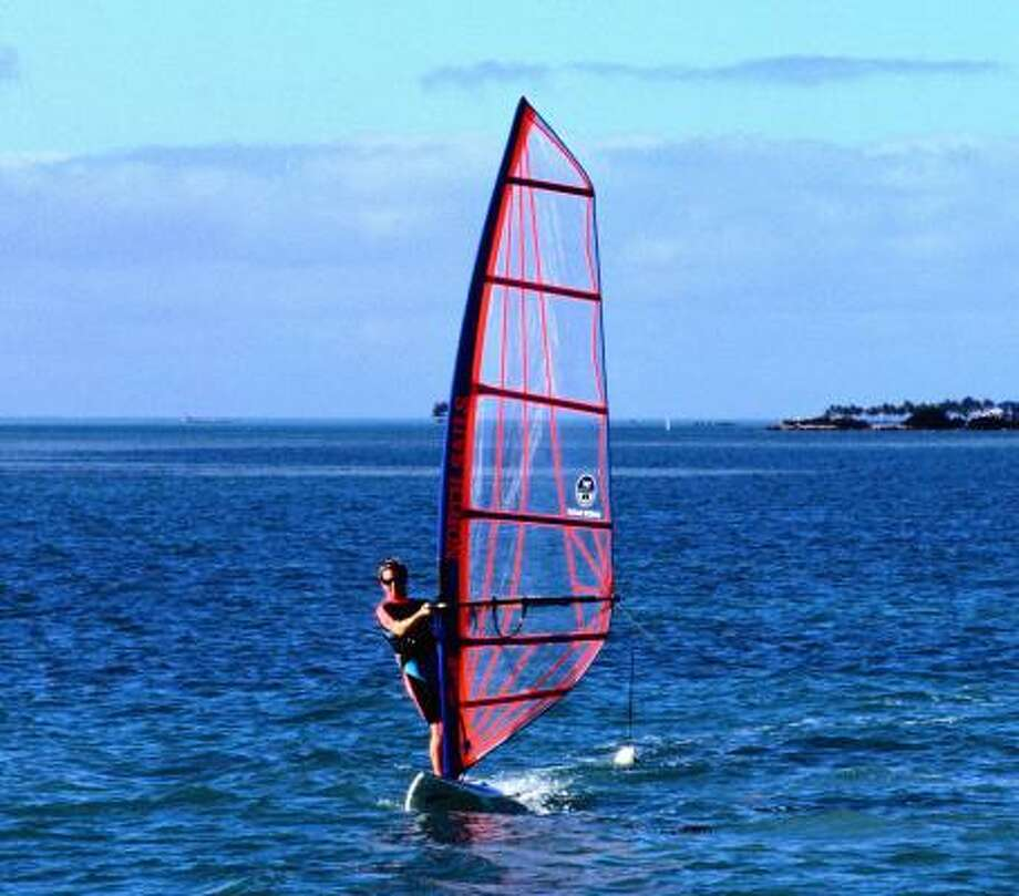 Windsurfing off Islamorada Photo: Lee Foster, Lonely Planet