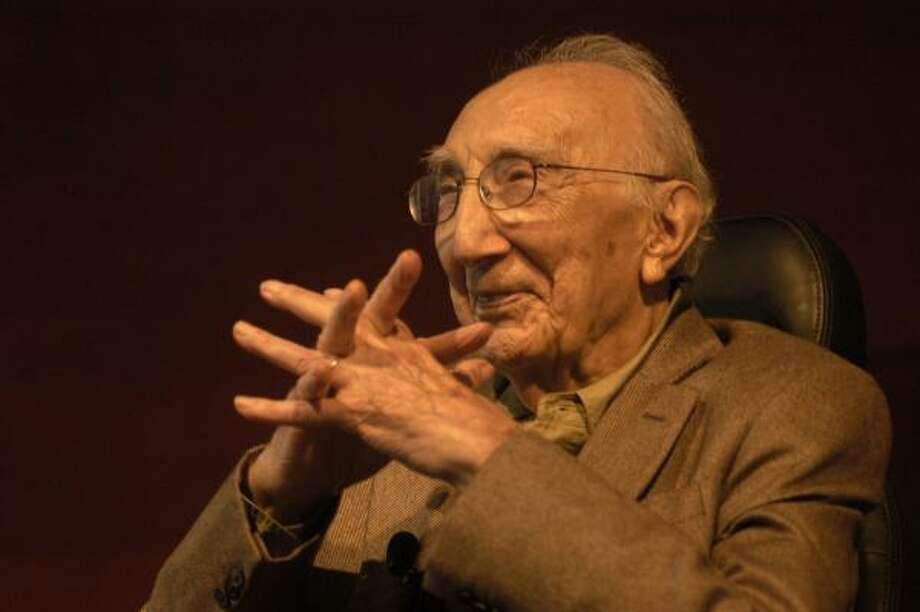 Dr. Michael DeBakey, shown at the Texas Life Science Conference in 2006, is to receive the Congressional Gold Medal on Monday. Photo: Johnny Hanson, For The Chronicle