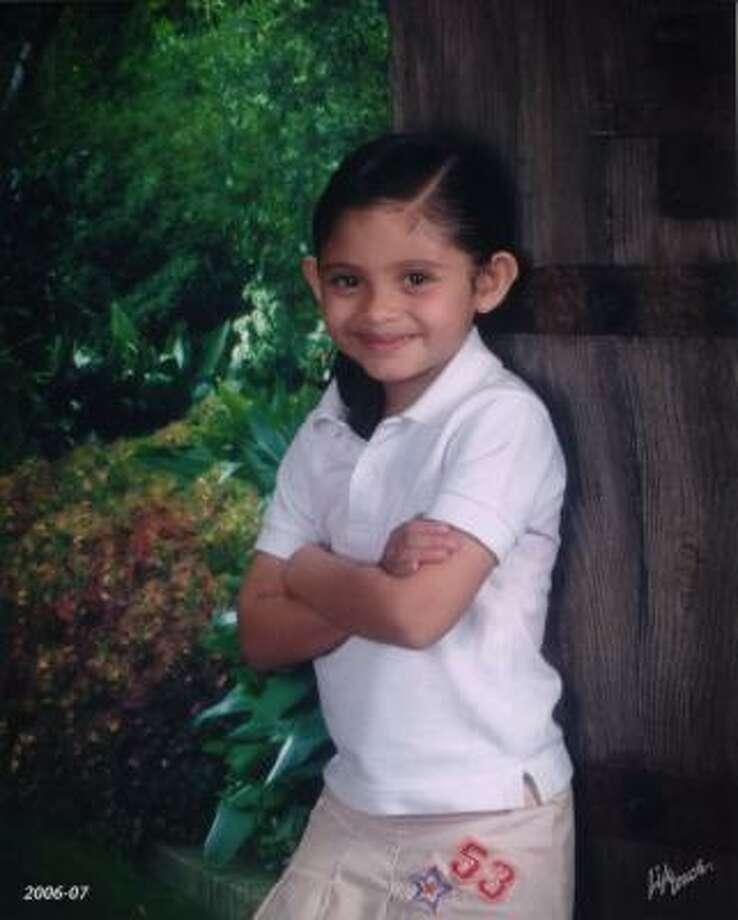 Alondra García, una niña de 5 años nacida en Houston, se encuentra desaparecida desde el 1 de junio, cuando fue vista por última vez con su padre, según asegura la madre de la pequeña. Photo: Family