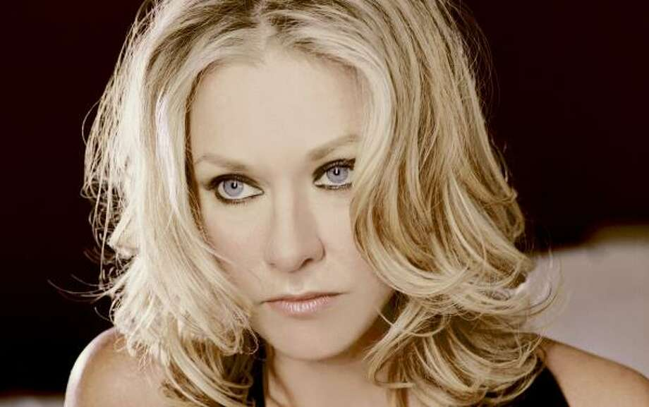 Shelby Lynne follows her R&B muse - Houston Chronicle