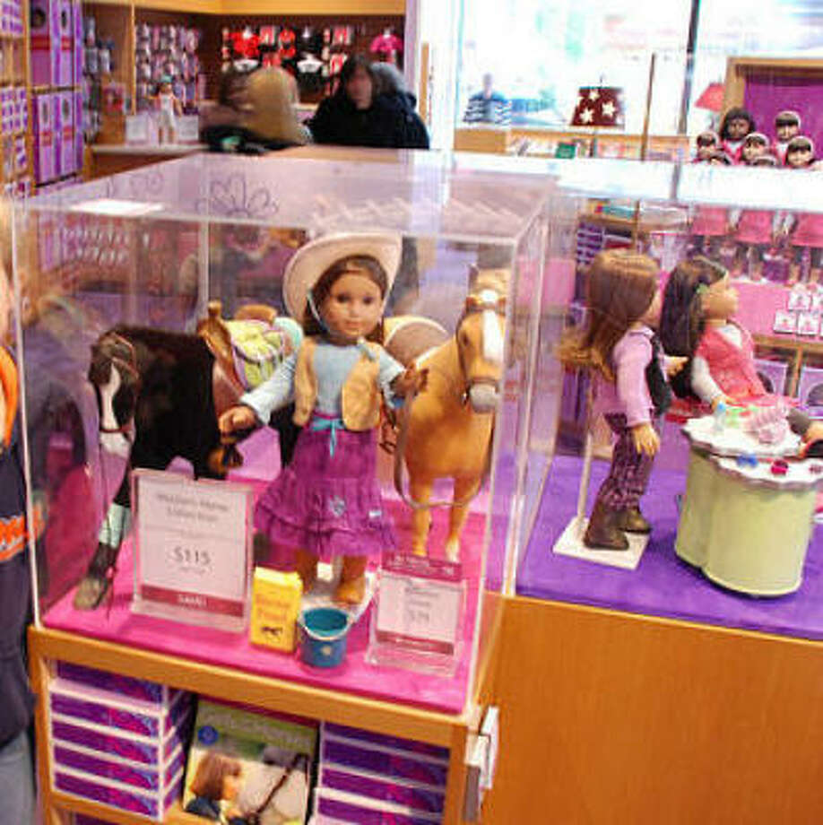 bigger dolls may threaten dominance of toy hit american girl houston chronicle. Black Bedroom Furniture Sets. Home Design Ideas
