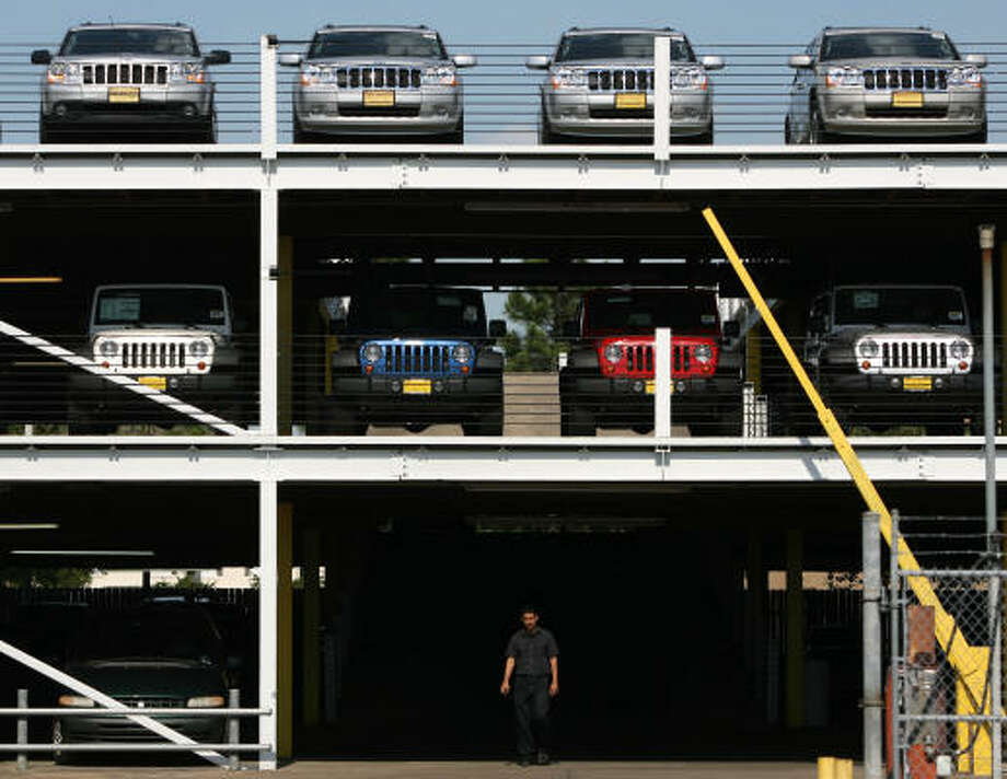 Helfman River Oaks Chrysler Jeep In Houston Still Sells A Large Number Of  SUVs Despite A