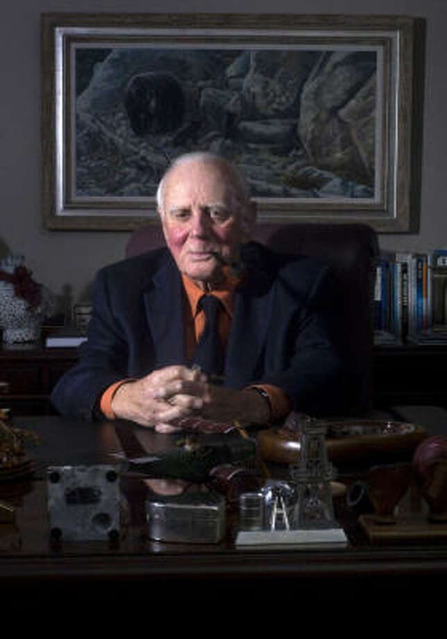 Raymond Plank started Apache Corp. in 1954 from initial seed capital of $250,000 and grew it to a successful Houston-based independent oil and gas producer. >>REST IN PEACE: Houstonians we have lost this year Photo: Johnny Hanson:, Houston Chronicle