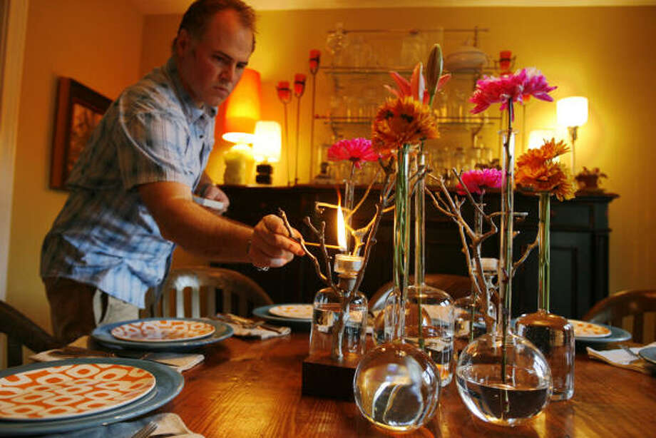 Try a few meals during which you don't use electronics at the dinner table. Also - eat dinner at the dinner table.  Photo: Eric Kayne, Chronicle