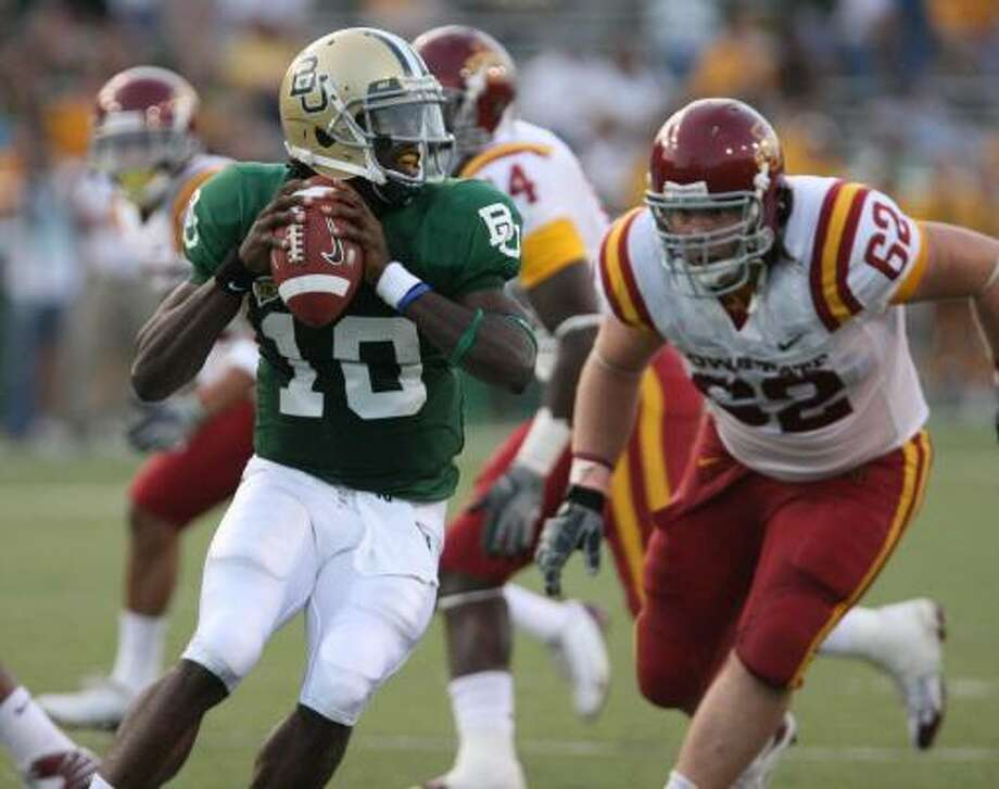 Last year was a major disappointment for Baylor quarterback Robert Griffin. Back healthy and strong, however, he's looking for redemption in 2010. Photo: Duane A. Laverty, AP