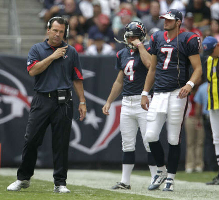 Despite the Texans' 4-4 start, owner Bob McNair still has high hopes for head coach Gary Kubiak and his team. Photo: Karen Warren, Chronicle