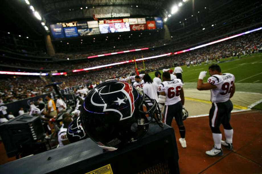 The Texans will host the Jets and the Saints at Reliant Stadium in the preseason. Photo: Michael Paulsen, Chronicle