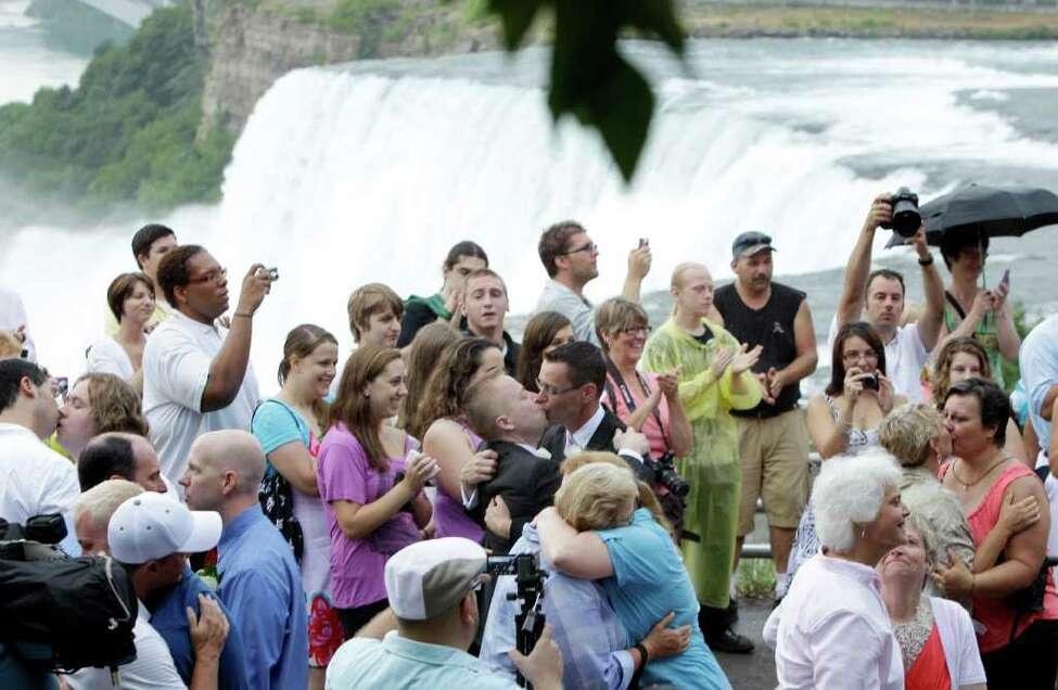 is same sex marriage legal in japan in Niagara Falls