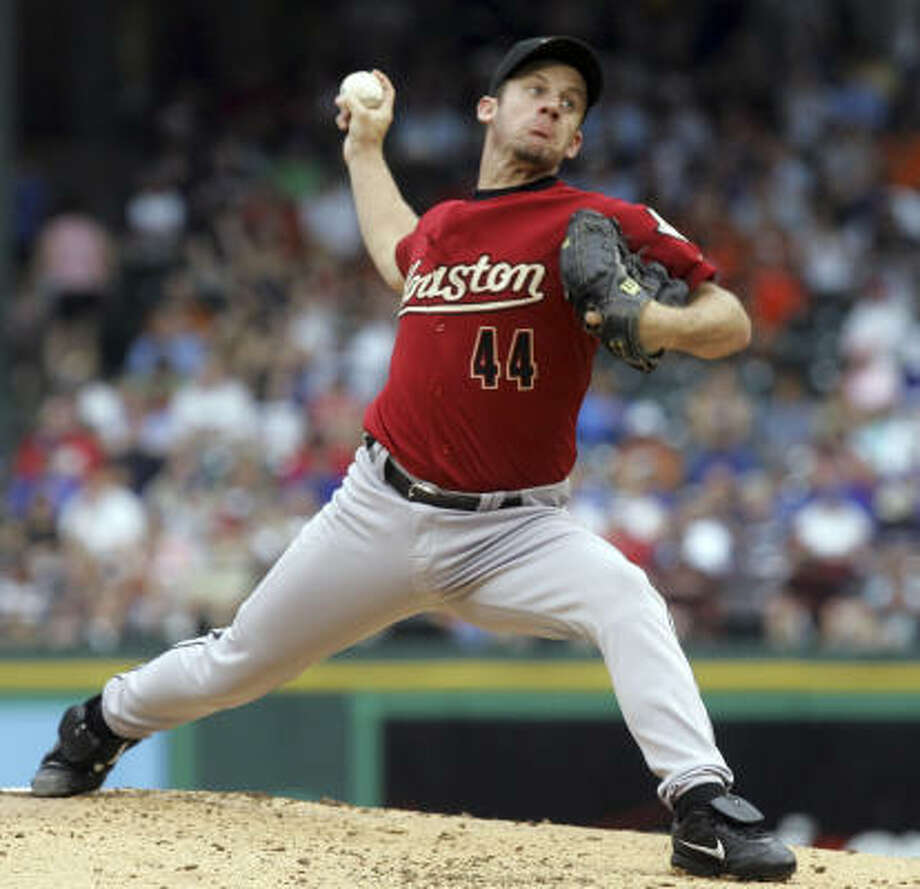 Astros starting pitcher Roy Oswalt gave up a pair of two-run homer runs through the first two innings against the Rangers on Saturday night. Photo: LM Otero, AP