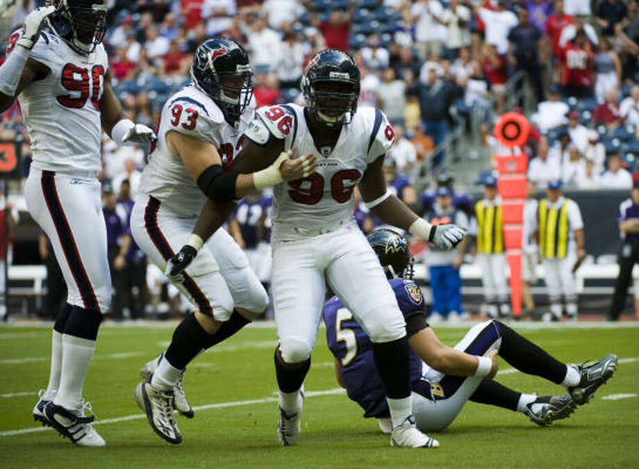 Texans defensive end Earl Cochran (96) finished last season on injured reserve after undergoing surgery on his right foot. Photo: Smiley N. Pool, Chronicle