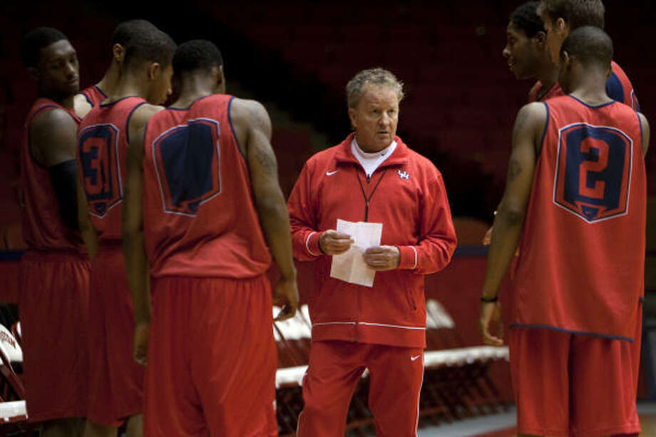 Tom Penders has a 121-77 record at UH and is the school's first coach to have six consecutive seasons of 18 or more victories. Photo: Smiley N. Pool, Chronicle