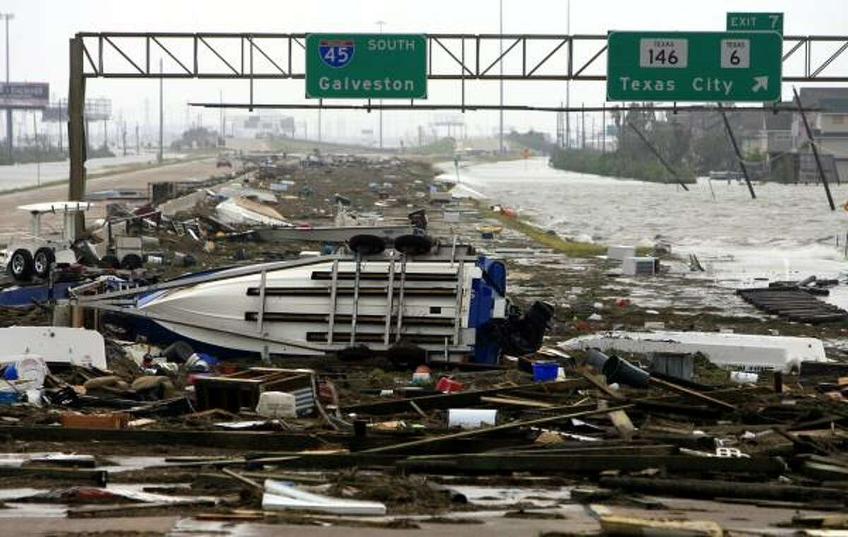 1.Hurricane Ike is the third costliest storm in U.S. history,after Hurricane Katrina in 2005 and Tropical Storm Sandy in 2012.Damage in Texas alone totaled approximately $29.5 billion.