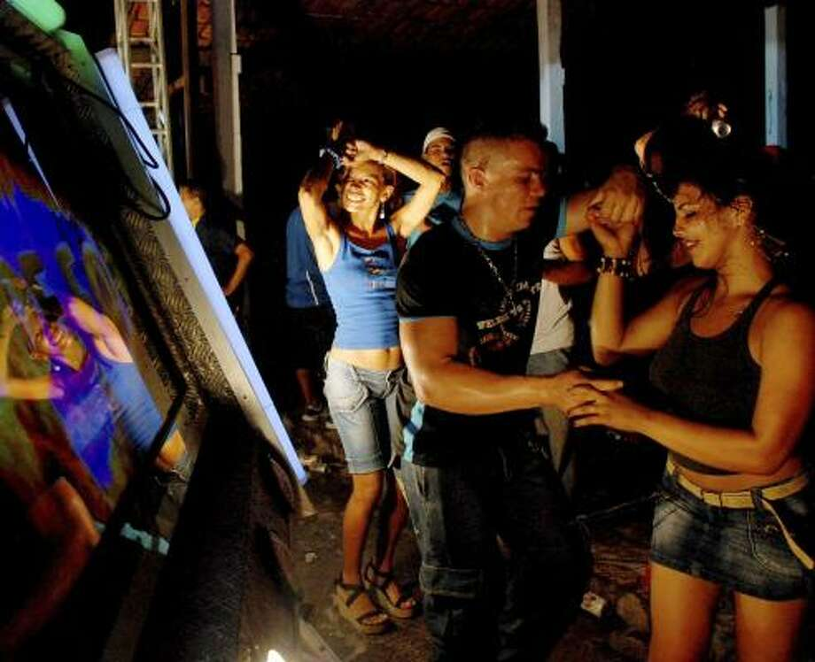 Musical movement in Brazil uses piracy for promotion
