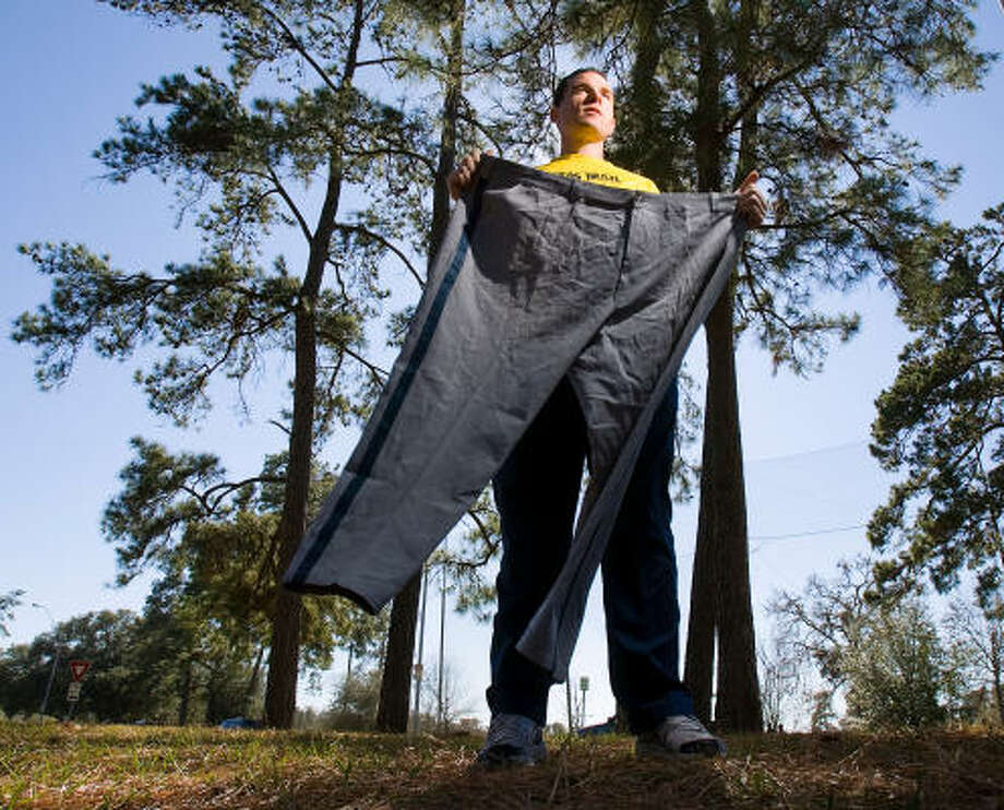 Norman Langwell, of Huntsville, once got around wearing size-58 pants. Now a firefighter, he's lost 22 inches in the waist and will compete in Sunday's Chevron Houston Marathon. Photo: Nick De La Torre, CHRONICLE