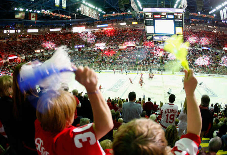 The fans note the start of the Western Conference finals in Detroit. Photo: Gregory Shamus, Getty Images