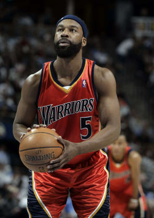 2cf8e4ddd Baron Davis is on the verge of leaving the Golden State Warriors and  signing a long