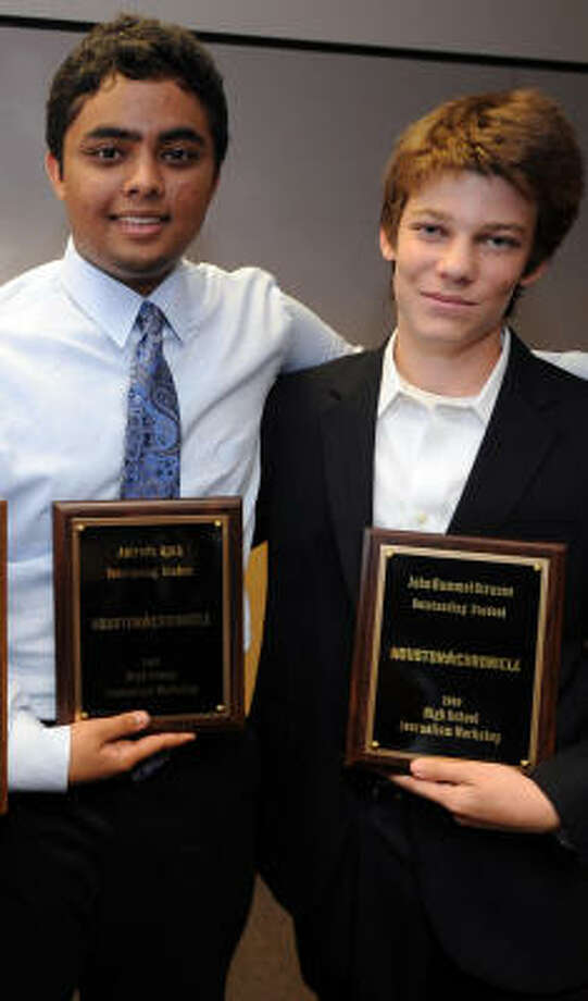 Anirudh Ajith, incoming senior at Cinco Ranch High School, left, and John Strauss, incoming junior at Lamar High School, won the Outstanding Student awards for the Chronicle Cub graduating class of 2009. Photo: Thomas Nguyen, For The Chronicle