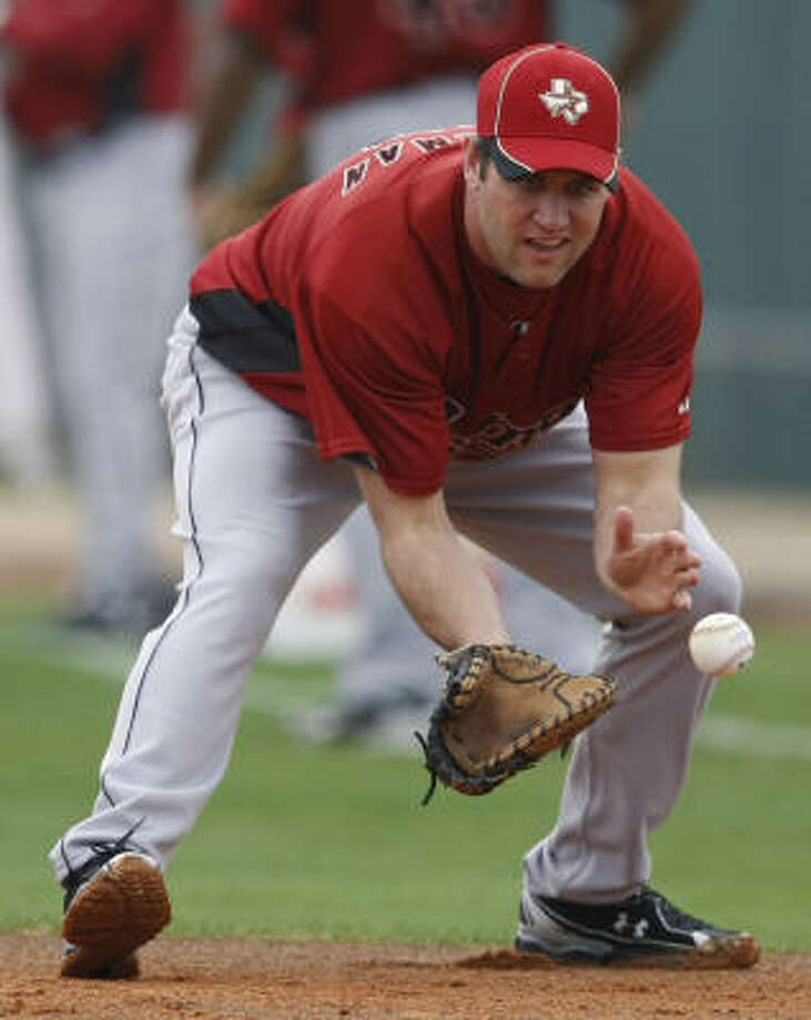 Lance Berkman lost 12 pounds during the offseason as he attempts to come back from a down season. Photo: Julio Cortez, Chronicle