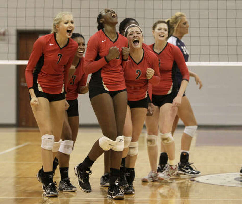 After losing their best player, the Cypress Woods Wildcats have pulled together and not let the setback keep them from reaching the state tournament in only their fourth varsity season. Photo: Karen Warren, Chronicle