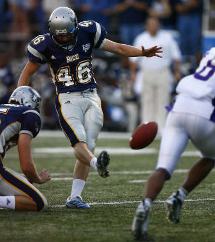 It was an entirely different era of Rice football when the Owls beat East Carolina with a late field goal in 2006, but kicker Clark Fangmeier is one of the constants. Photo: Steve Ueckert, Houston Chronicle