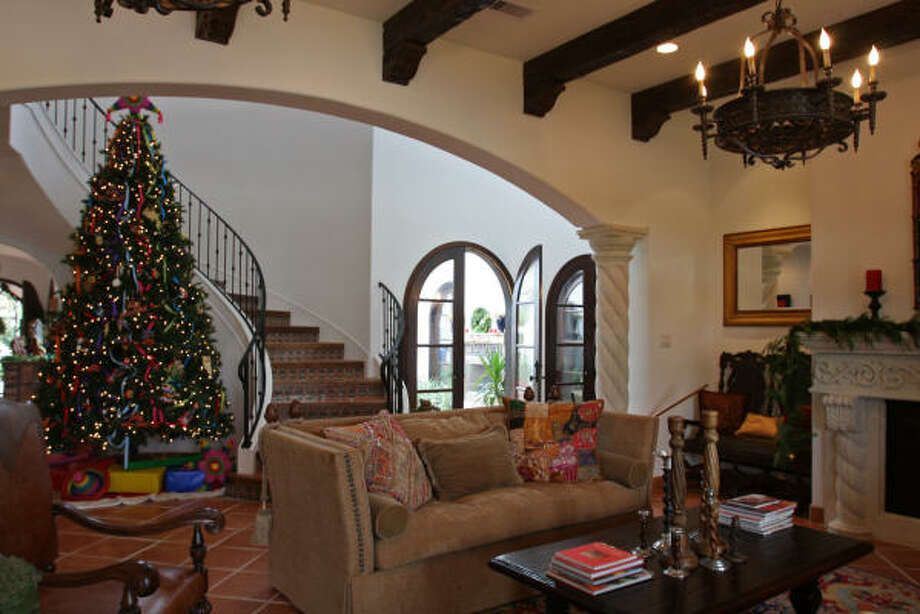 The annual holiday home tour Dec.12-13 features six homes and benefits Child Advocates of Fort Bend County. Photo: Suzanne Rehak, For The Chronicle