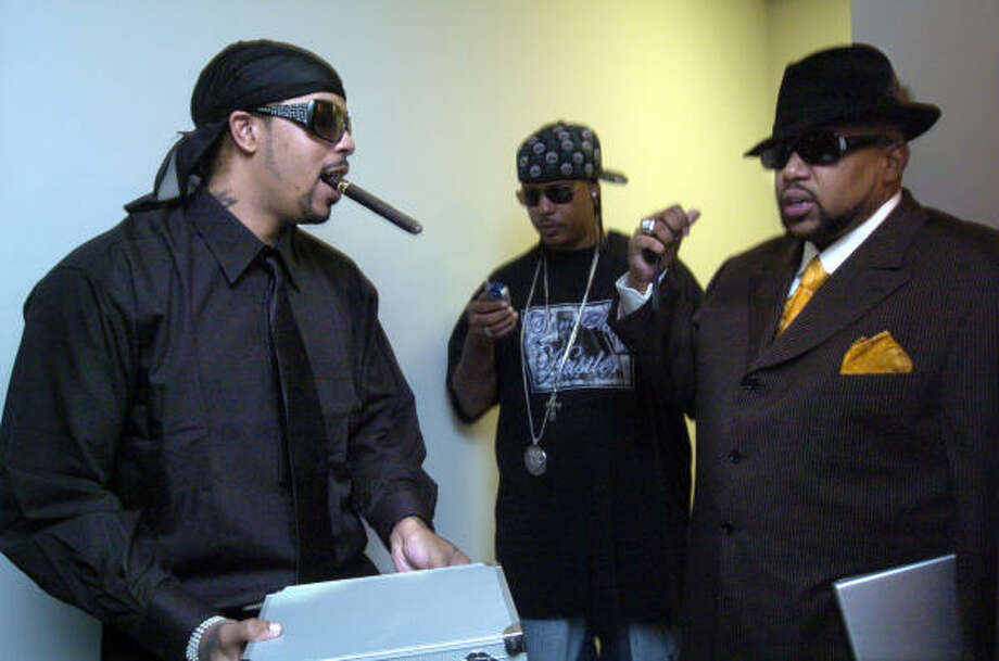 Pimp C, right, chats with artist Lil' Flip before a Rap-A-Lot Records video shoot for Pimp C's single Knockin' Doors Down in Houston on Oct. 17, 2006. Photo: Johnny Hanson, For The Chronicle