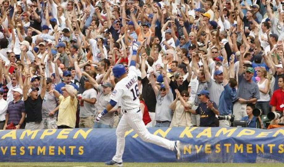 Aramis Ramirez sends Cubs fans home happy. Photo: Phil Velasquez, MCCLATCHY-TRIBUNE